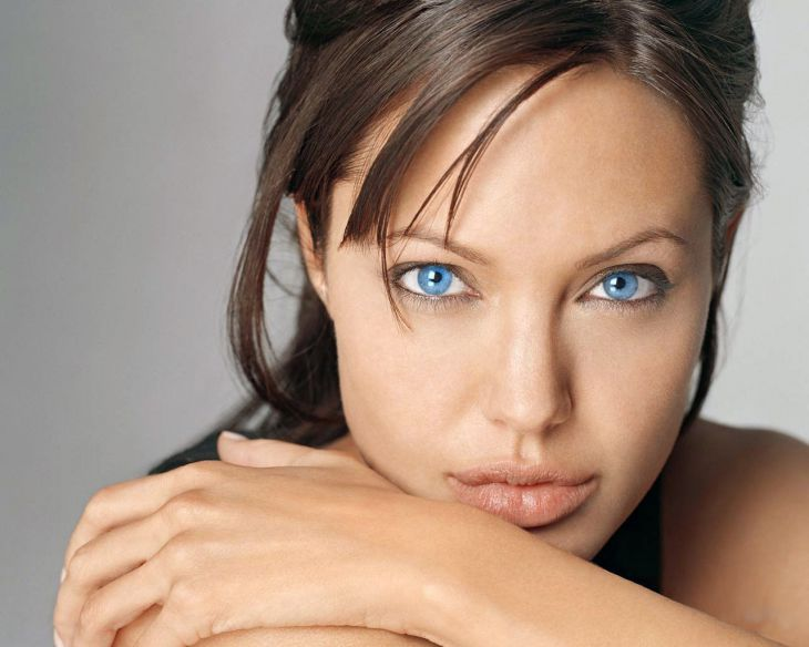 Jolie's beautiful eyes