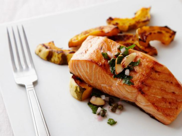 Food to eat for living more - salmon