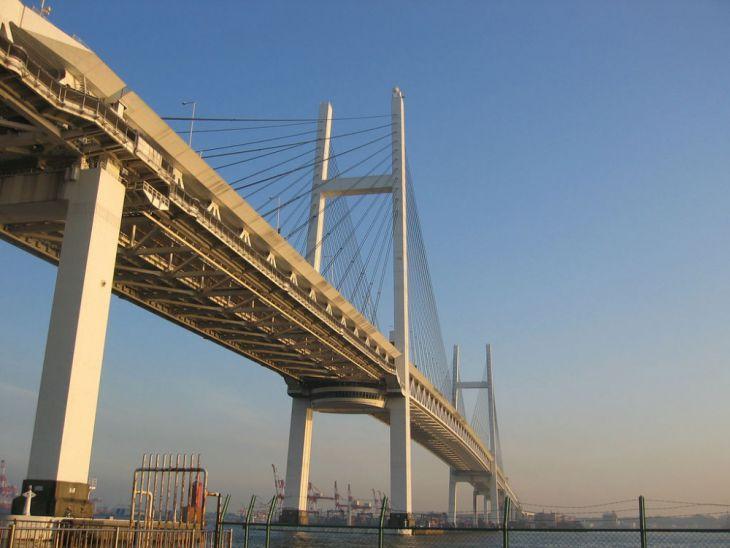 Puente de la Bahía de Yokohama (Japón)