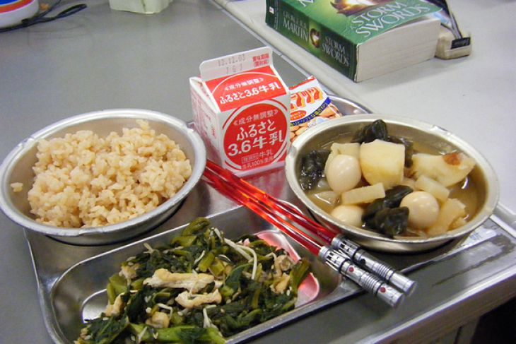 12 school lunches from around world