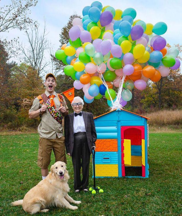 Uma avó de 93 anos e o seu neto, em fatos ridículos, e o pessoal adora (30 fotos)